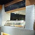 Slices Pizzeria -- 櫃檯