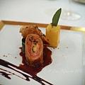 Don Alfonso -- 牛仔內鑲莫扎雷拉起司配豬頰肉伴香草、菠菜及紅酒醬汁
