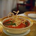 Don Alfonso -- 蕃茄冷湯伴布拉塔軟起司 & 香脆義大利麵