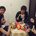 都用筷子吃餅乾