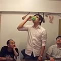 他喝的是塔巴斯口水