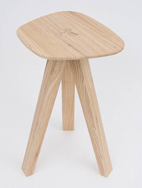 dezeen_Folding-Stool-by-Jack-Smith_04.jpg
