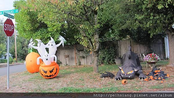 The Halloween holiday season is here.