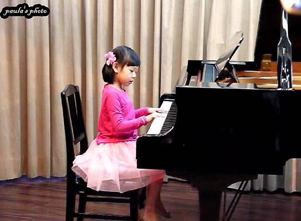鋼琴表演-1.JPG