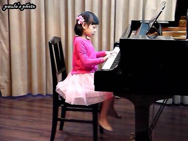 鋼琴表演.JPG