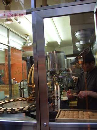 京都四条河原町-新京極通-做紅豆餅那種店