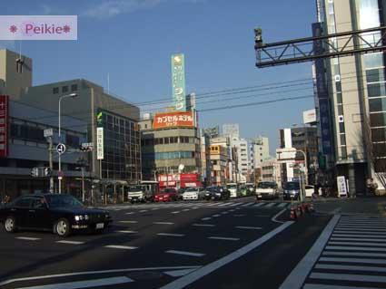 大阪十三站的馬路,往Plaza Hotel的路上