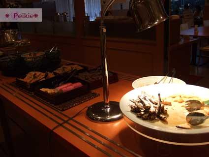 Plaza Hotel的自助式早餐Bar台