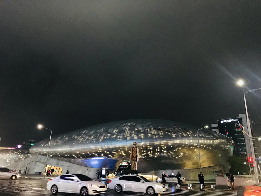 【首爾購物】夜晚閃閃發亮又逛到腿軟的東大門