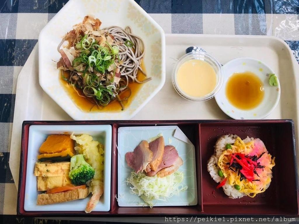 午餐只要500円的15樓福岡市役所視野寬廣的最高食堂