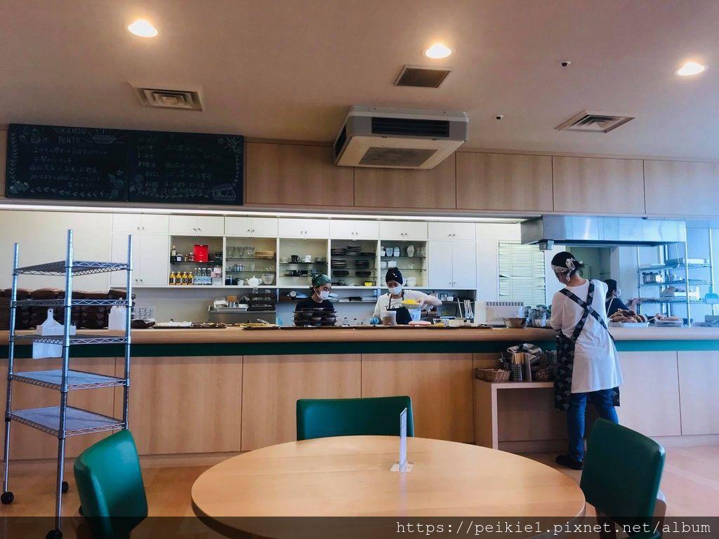 眺望博多灣的福岡縣廳最高樓食堂