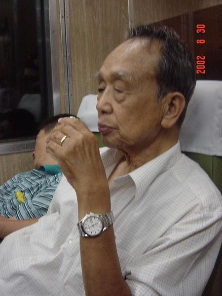200308搭火車赴台北武弘宴會