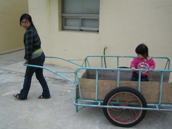 禹頡與媽媽小鳳 (2)