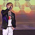 131024 JYJ越南亞運演唱會@onekissB (2).png