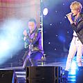 131024 JYJ越南亞運演唱會@onekissB (6).png