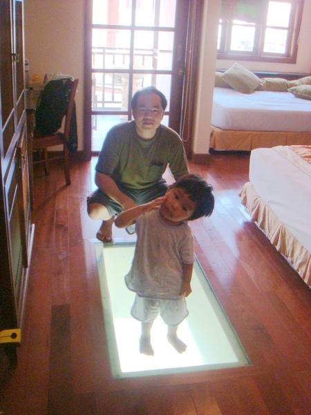 馬來day4_水上屋玻璃.jpg