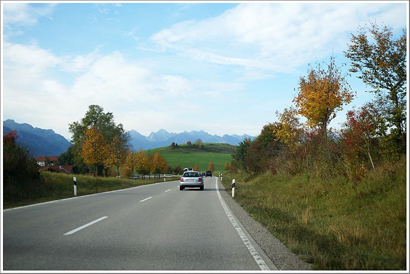 往天鵝堡的路上
