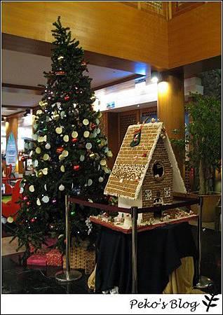 yoho大廳聖誕布置.jpg