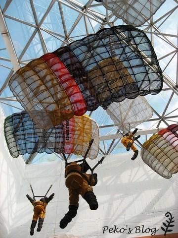 室內降落傘雕塑.jpg