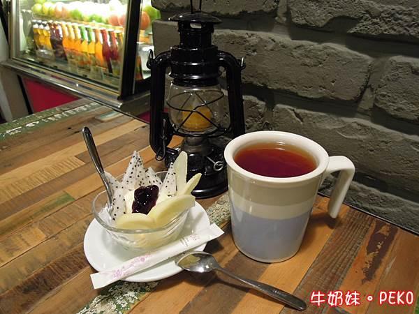 Ton Up Cafe10