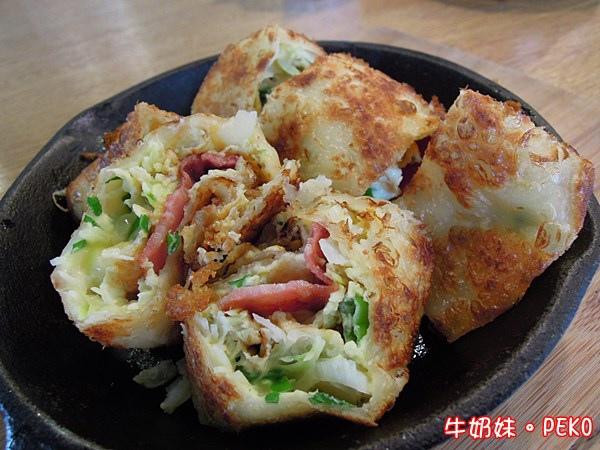 南京東路 LoCo Food 樂口福 早午餐  樂口捲  酥皮蛋捲 漢堡06