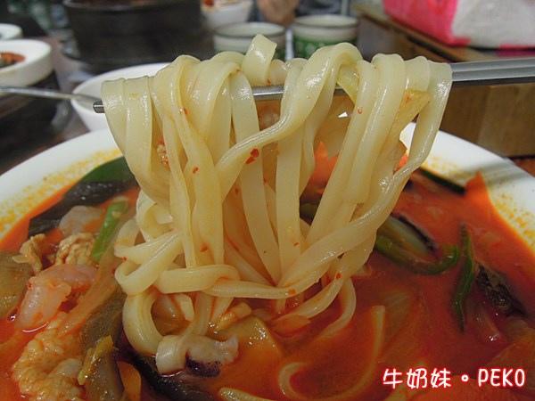 炒碼麵 韓國媽媽烤肉店 台北車站美食  京站美食 平價03