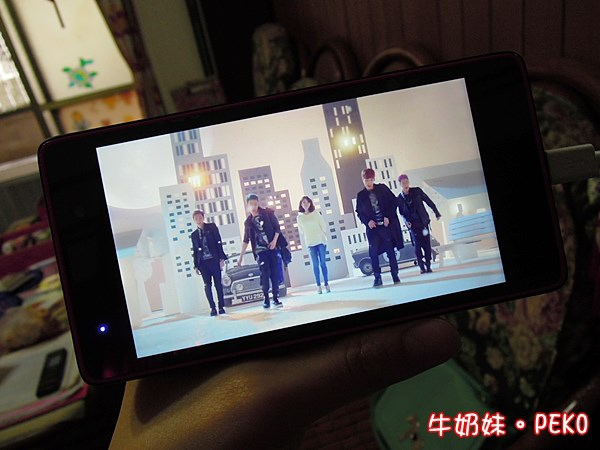 鴻海 InFocus M210 4.7吋 四核 智慧型手機  雙卡 開箱 紅米14