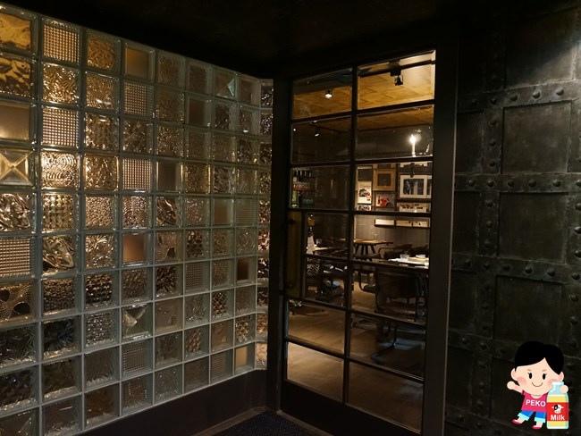 EiEIO 東區酒吧 東區餐廳 東區聚餐推薦 戰斧豬排 01-2