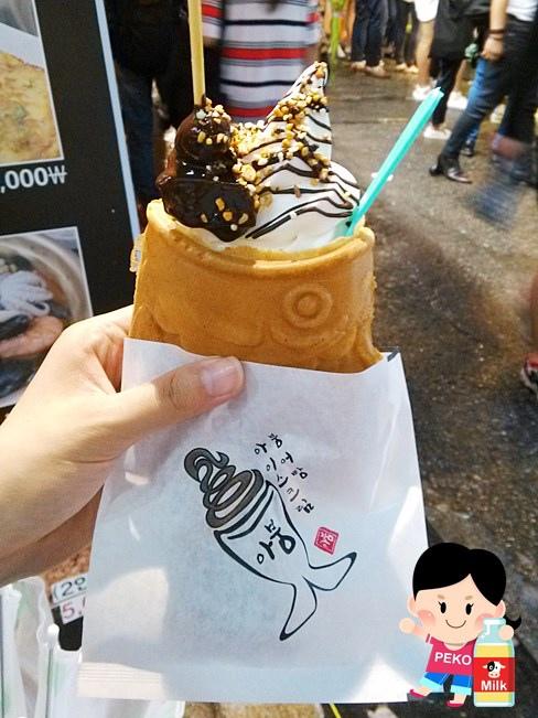 韓國自由行 弘大美食 弘大小吃 韓國停車場街美食 鯛魚燒冰淇淋 流氓辣炒年糕 組爆辣炒年糕 雪綠茶 O