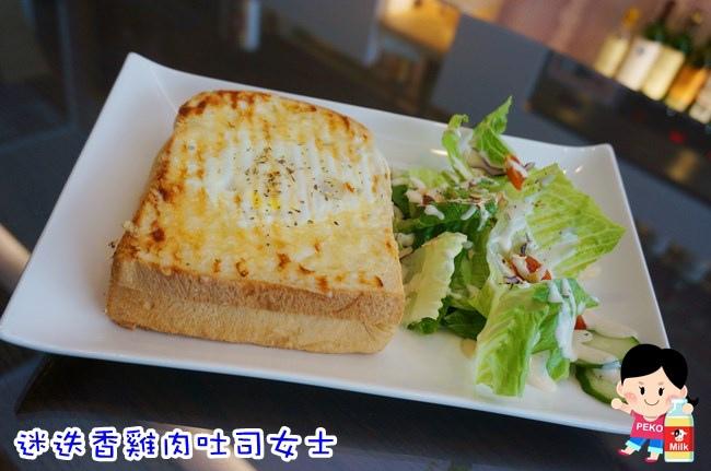 HoWINE & CAFE 東區下午茶 東區輕食 紅白酒單杯機 東區甜點 玫瑰蘋果塔 東區咖啡館10