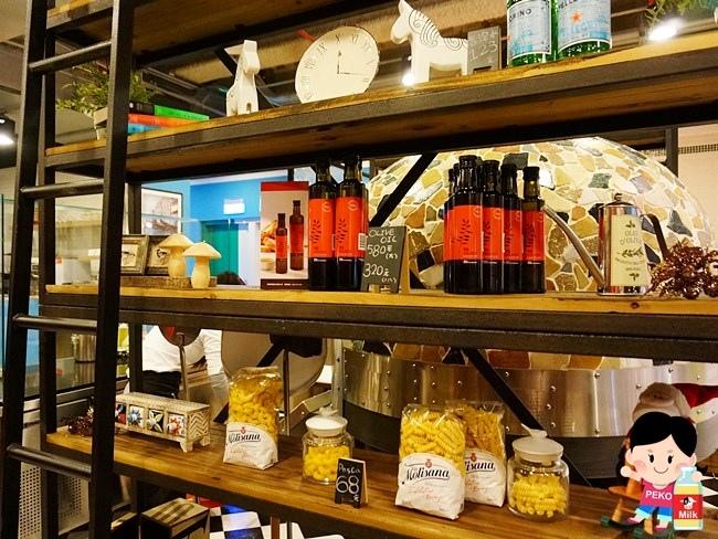 Love, Italy 樂義義大利餐廳 板橋餐廳 麗寶百貨餐廳 板橋樂義地址 披薩 義大利麵 燉飯 拿波里披薩06