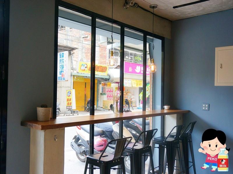 Percent CAFE %咖啡 午晚餐 鬆餅 板橋咖啡館 板橋早午餐 日式醬燒豆腐堡 泰式打拋豬肉帕尼尼 板橋餐廳 江子翠早午餐 江子翠美食05