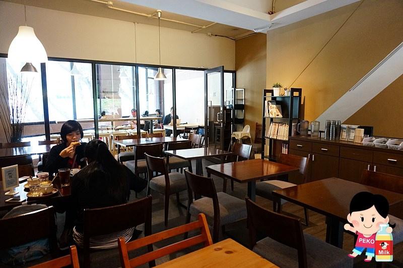 POND BURGER CAFE06