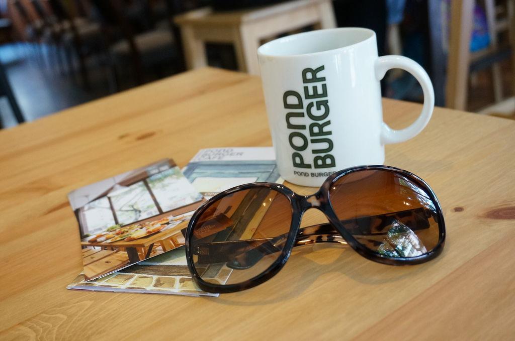 POND BURGER CAFE23