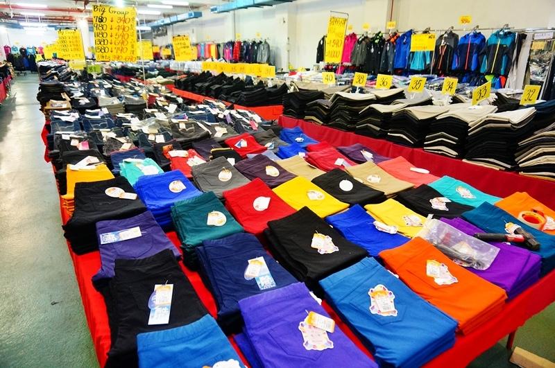 板橋特賣會.板樹體育館特賣會.拍手童裝.雪衣.雪褲.四季廠拍