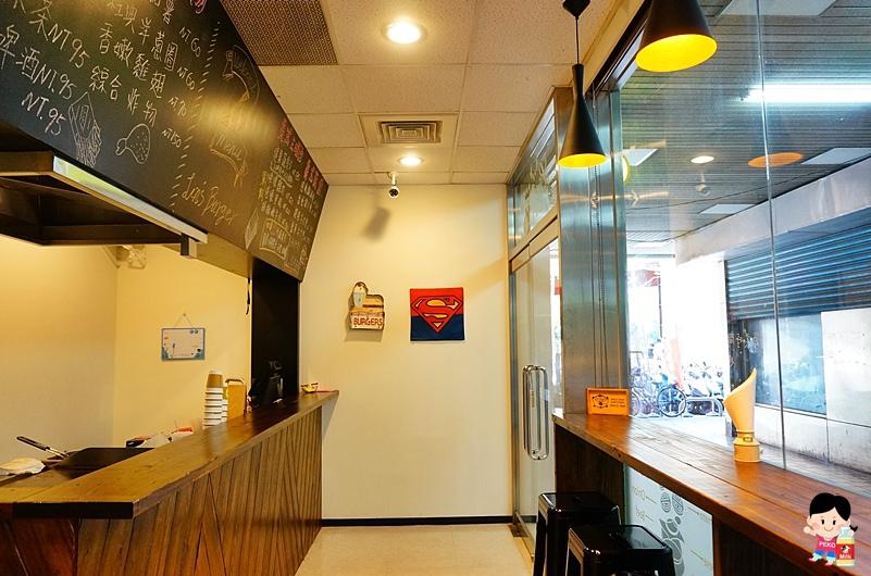 林斯漢堡美式餐廳.Lin's Burger.板橋早午餐.板橋美式餐廳.板橋漢堡推薦.府中站美食.板橋美食.團體聚餐包場.林斯漢堡菜單.