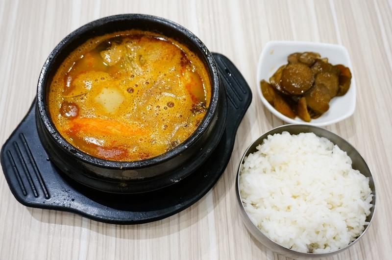 公館美食.公館韓式料理.Ma C So Yo.馬鈴薯排骨湯.韓式炸雞.公館韓式餐廳.