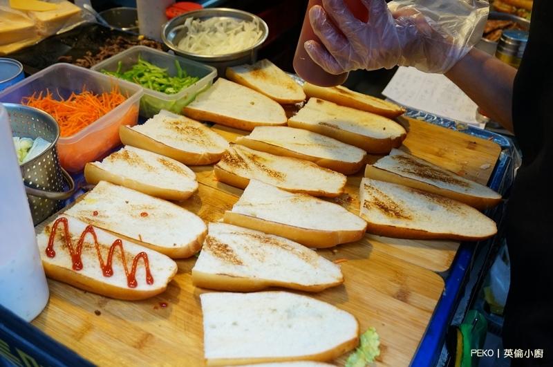 板橋美食.新埔站早餐.英倫小廚.爆乳捲餅.爆乳三明治.新埔站美食.板橋早午餐.