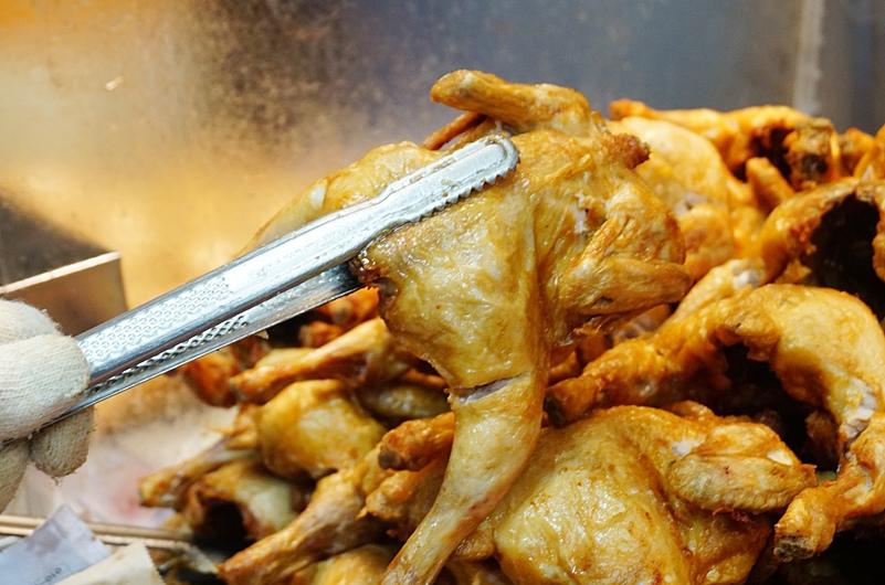 首爾自由行.鐘路三街美食.韓國炸雞.韓國雞.炸全雞.鐘路三街炸雞.
