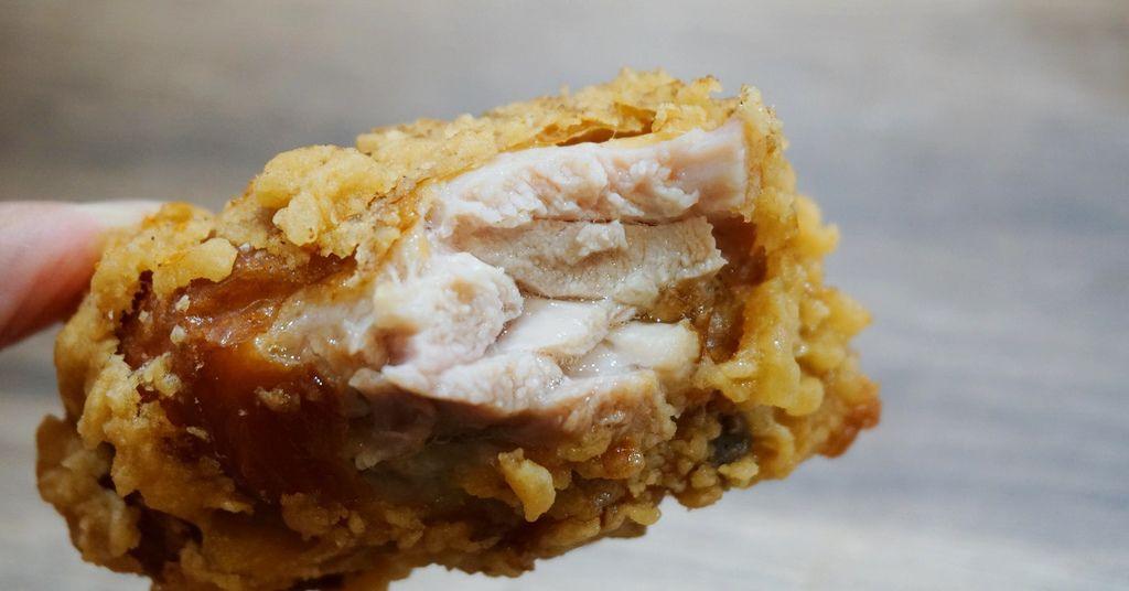 半雞8兩.三重美食.半雞八兩.半雞8兩台北.半雞8兩三重.半雞8兩菜單.先嗇宮美食.三重家樂福.炸全雞.