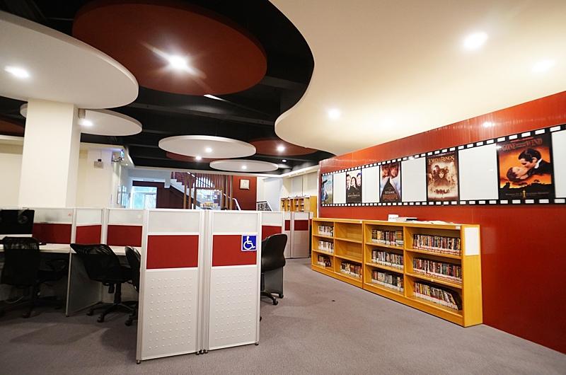世新資管系學生可以使用圖書館