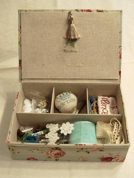 玫瑰配飾分類盒