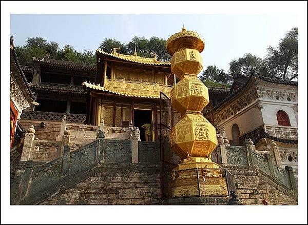 大顯通寺的金殿