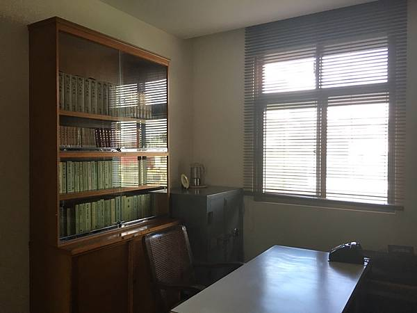 聖嚴法師的書房.jpg