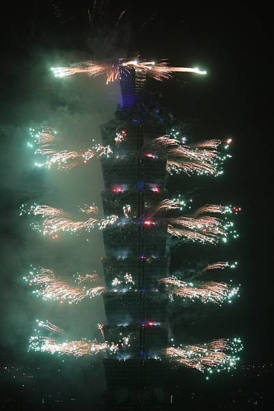 2019 101煙火7.jpg