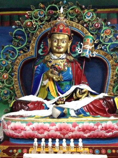 不丹頂果法王寺院中的蓮師財神.jpg