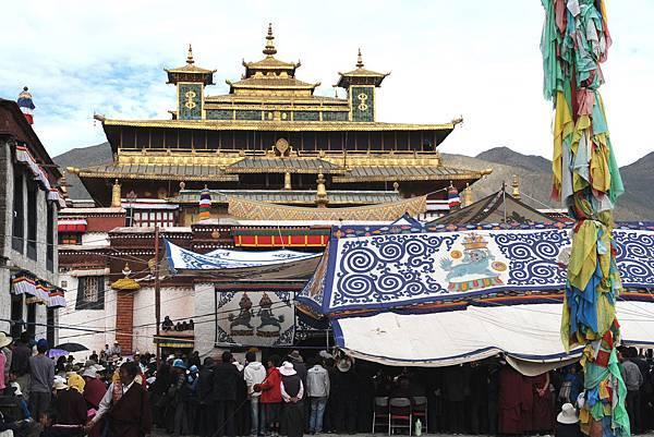 西藏桑耶寺廣場.jpg