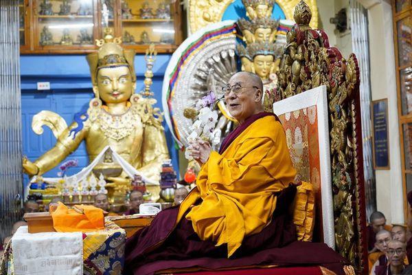 達賴喇嘛與千手觀音大蓮師.jpg