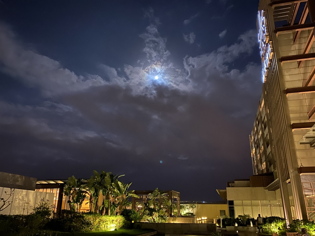 藍月.jpg