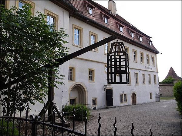 中世紀犯罪博物館內站籠
